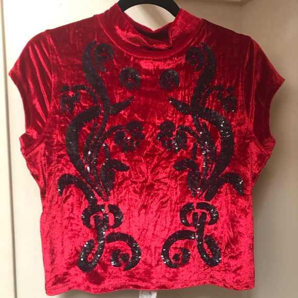 Free People Tops - Red top w black details